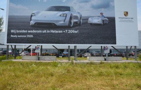 Mega-bordbusters Porsche voorkant