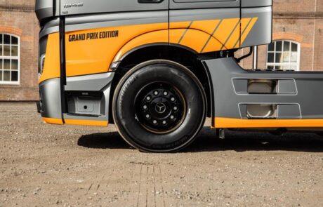 Wensink voertuigreclame onderkant truck